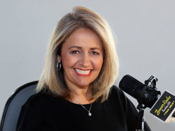 Eva D host Zoomer Radio AM740